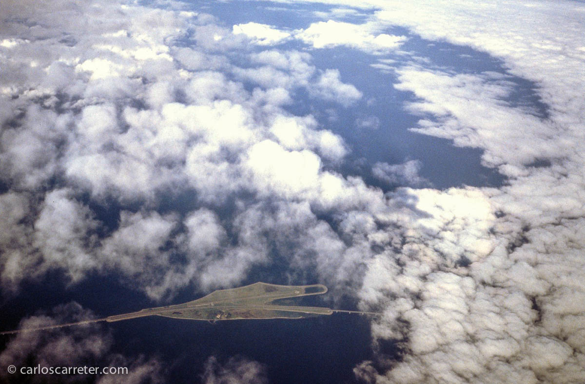 Isla central del paso carretero y ferroviario del Oresund