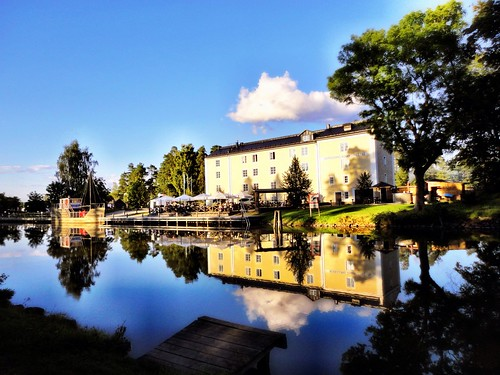 Resting at the Göta Canal by SpatzMe