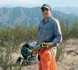 El productor de Belén Julio Reinoso apostó a la forestación con algarrobos en su campo