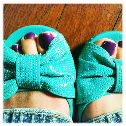 aqua bows and purple toes