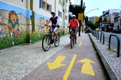 Clear biking paths in Rio de Janeiro