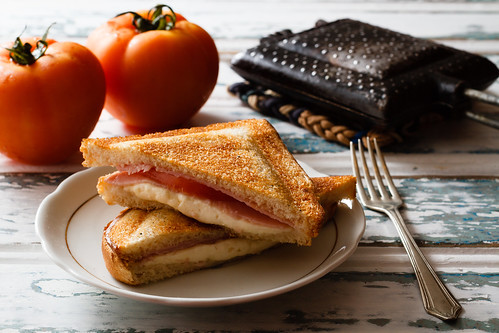 toasted sandwich by Luiz L.