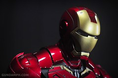 Hot Toys Iron Man 2 - Suit-Up Gantry with Mk IV Review MMS160 Unboxing - day1 (33)