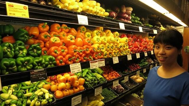 色彩繽紛的各種椒