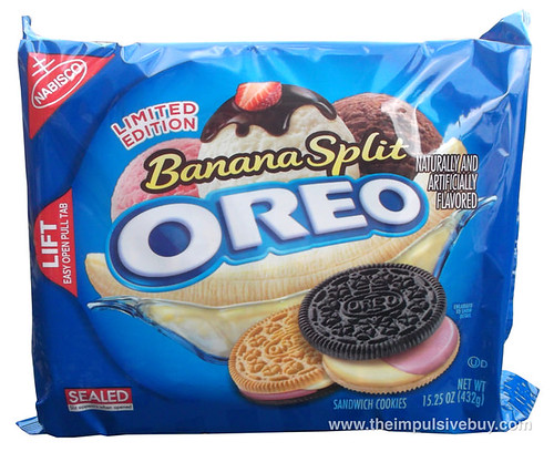 Review nabisco limited edition banana split oreo the for Where can i find blue bell christmas cookie ice cream
