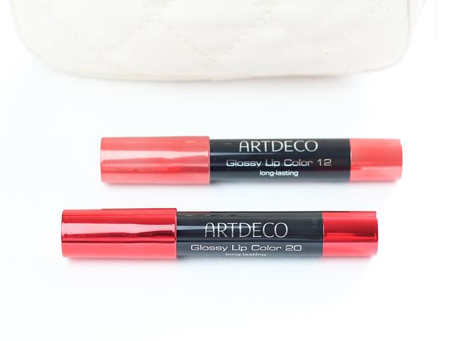 glossy lip color