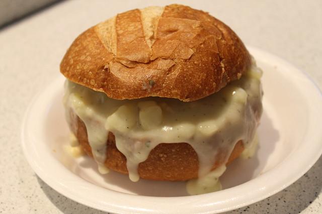 Comer en Boston: Sopa de almejas (clam chowder), en Quincy Market (Boston)