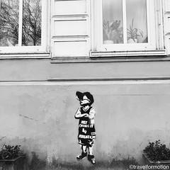 #streetart #stencil #blackandwhite #blackandwhitephotography #hamburg_de #ahoihamburg #igershamburg #visithamburg #explorehamburg #traumstadt #speicherstadt #igershh #welovehh #igersgermany #germany #hamburg #vsco #vscocam #wanderlust #travel