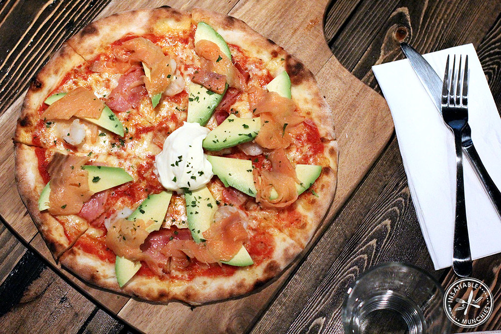Prawns, smoked bacon, avocado, smoked salmon, sour cream and parsley