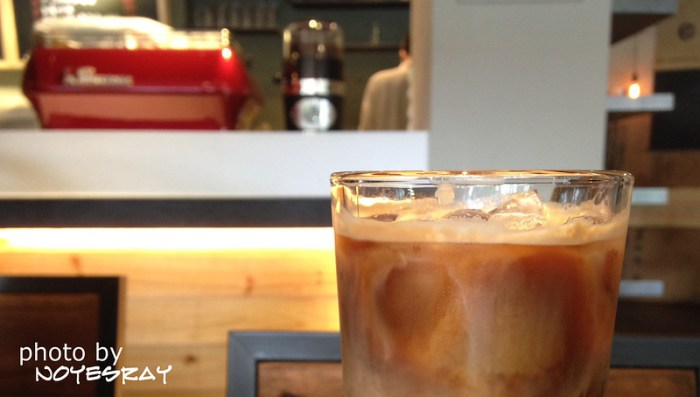 08 N° Café
