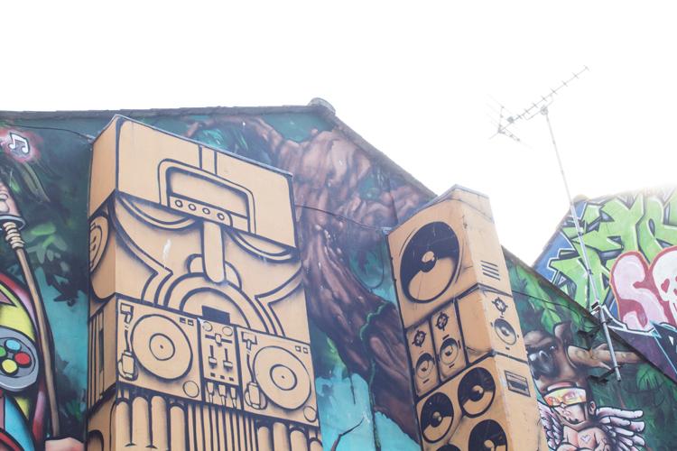 Graffiti Side Wall