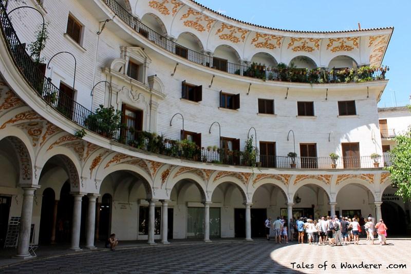 SEVILLA - Plaza del Cabildo