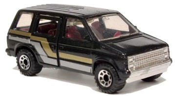 39 Matchbox Dodge Voyager 1984
