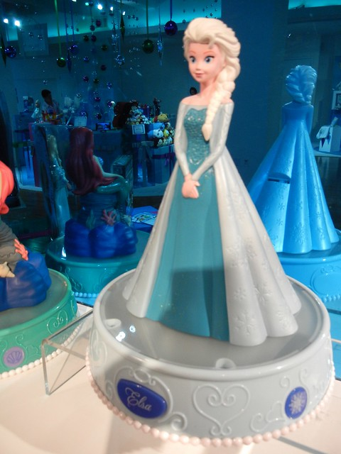 Quot Frozen Quot Leads Disney Into Holiday Season As Disney