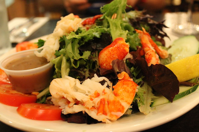 Comer en Boston: Ensalada de langosta, en 'Vineyard Grille', Boston