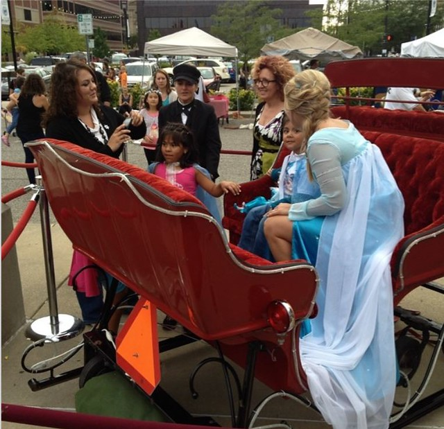 Frozen's Elsa in Downtown South Bend