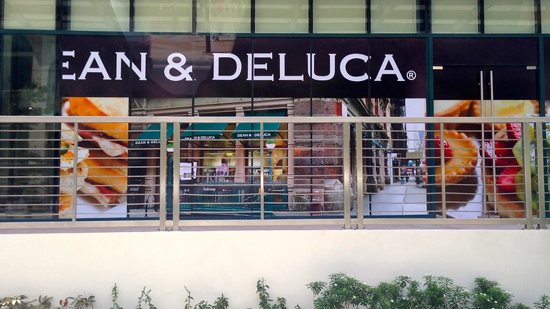 Dean & Deluca at Rockwell