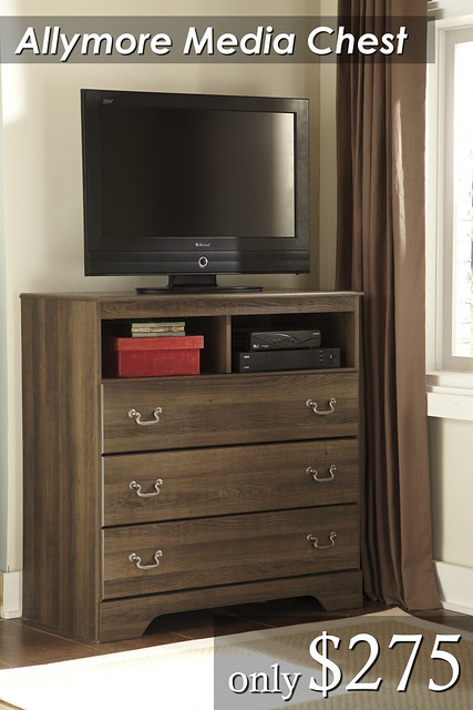 B216 Small Pic Media Chest