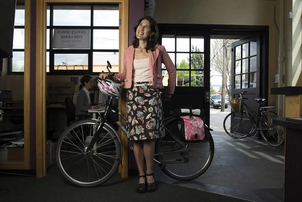 hw.bikefash111.bn.5-1-08.jpg