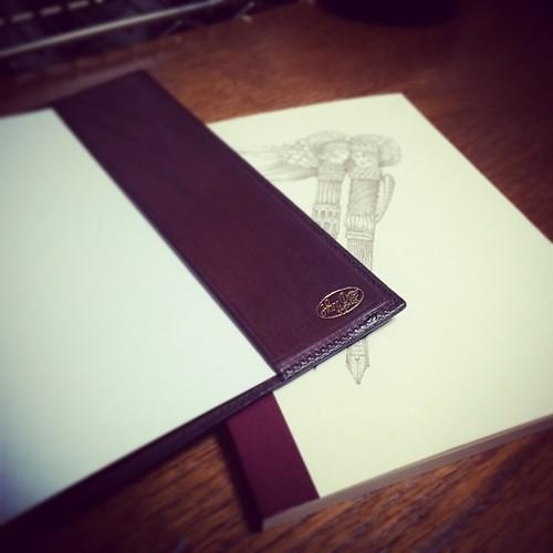 つまり、ハンス・オスターのノートカバーにぴったりのサイズなのだった。 #stationery #note #notebook