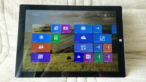 Microsoft Surface Pro 3 ด้านหน้า