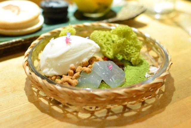 Green Tea Cake ginger ice cream