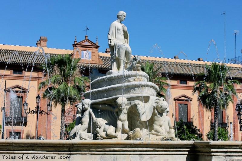 SEVILLA - Puerta de Jerez - Fuente de Híspalis
