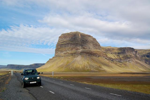 Il nostro Sukuzino in giro per l'Islanda