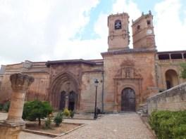 Papercraft imprimible y armable de la Iglesia de la Santísima Trinidad y Torre del Tardón de Albacete, España. Manualidades a Raudales.