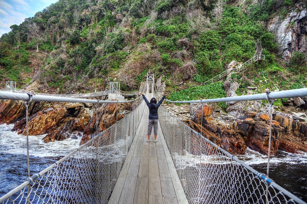 Glinda conquering the suspension bridge.