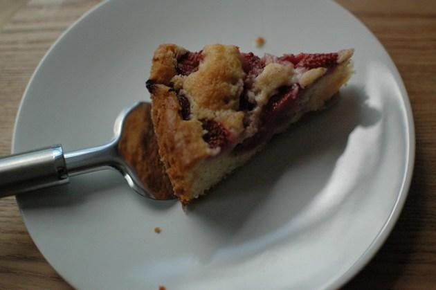 Strawberry Drizzle Cake 08