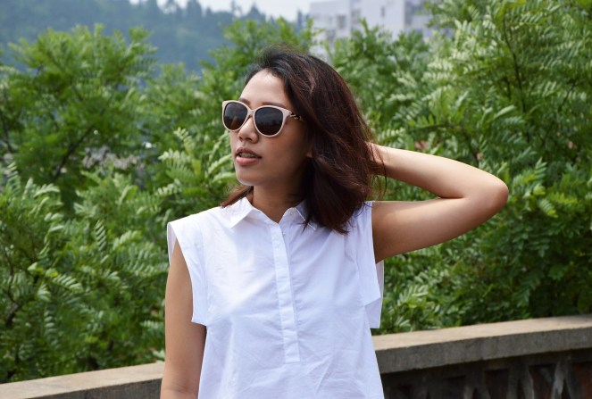Mango shirt collar white blouse, light pink sunglasses