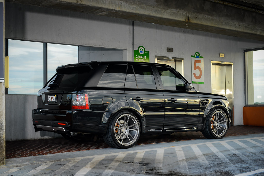 Range Rover Sport Supercharged On 22 Velos S4 Forged