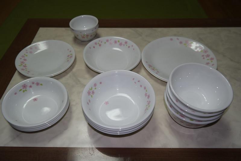 ian & yiru @ korea: CORELLE康寧餐具4人20P開箱文@韓國EMART TRADERS