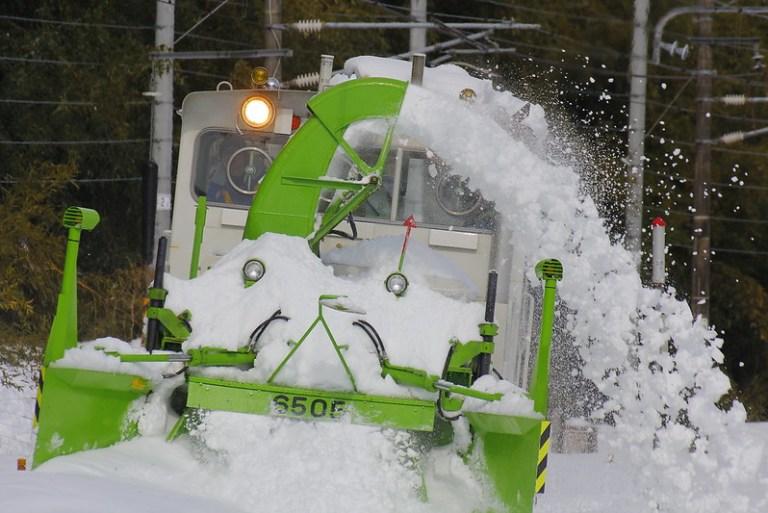 Motor car Snowplow
