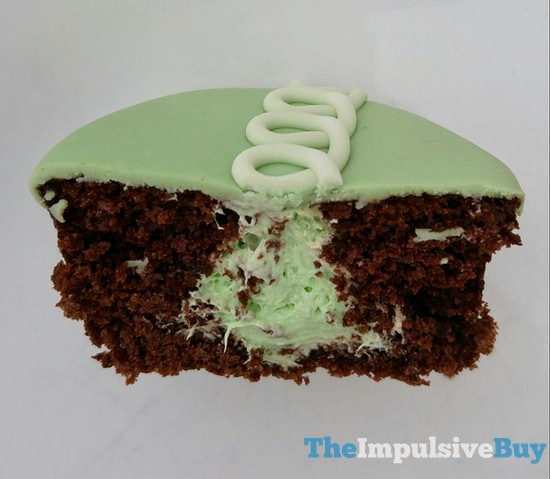 Hostess Limited Edition Shamrock CupCakes 3