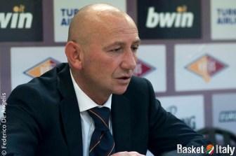Coach Luca Dalmonte in sala stampa