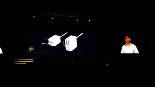 VOOC Mini ขนาดของตัว Wall charger เล็กลงกว่าเดิมเยอะเลย
