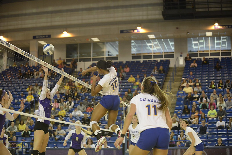 UD volleyball 10/12/14
