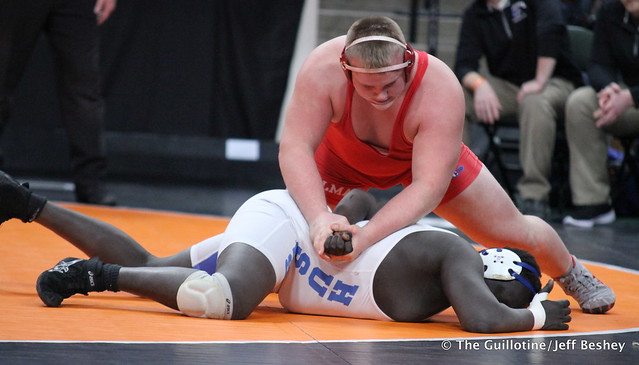 285 - Brady Reigstad (Willmar) over Goy Tut (Owatonna) Dec 6-0