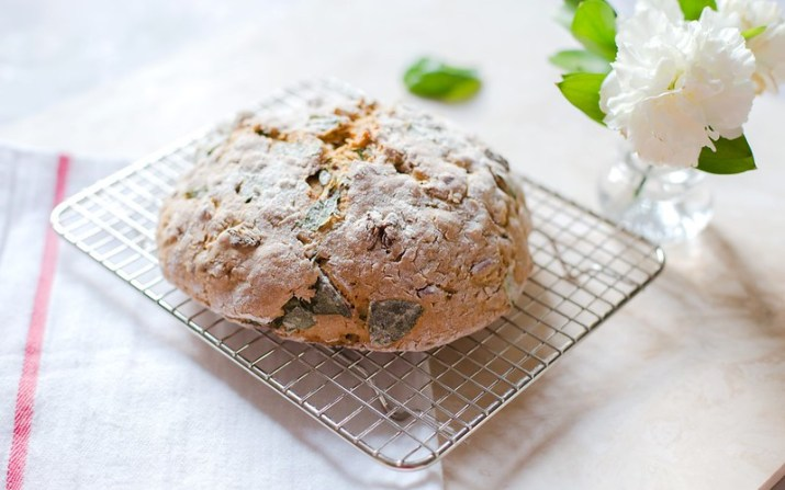 Almond, Raisin and Basil Soda Bread