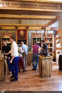 Whisky Live Paris starten bij de Midleton Distillery stand