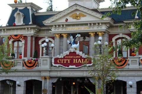 City Hall goes Halloween