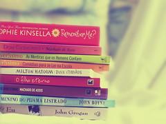 I hereby confess: i'm a bookaholic