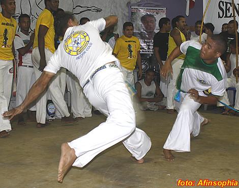 Capoeira Senzala Negra 37 por você.