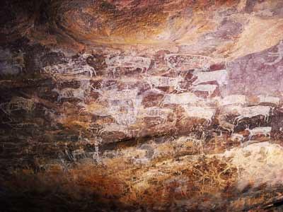 cave paintings at bhimbatika,india
