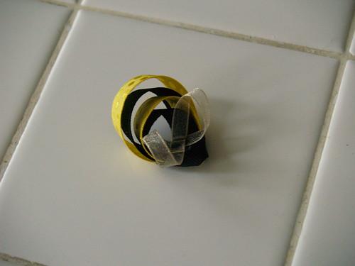 Ribbon bee, step 4