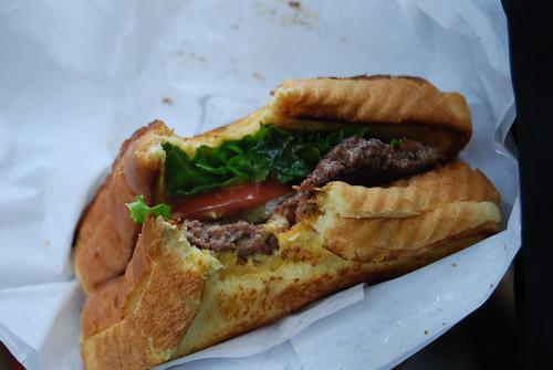 """""""Youcanhazcheezeburger"""" burger"""