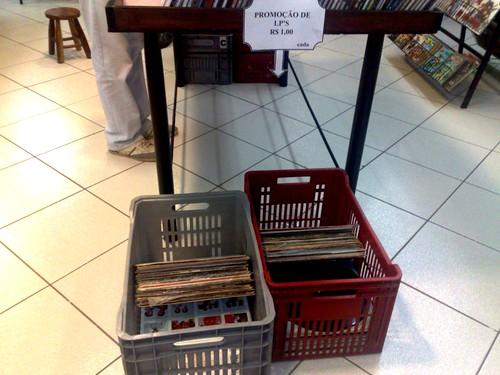Nossas tradicionais caixas de LP's a 1 real