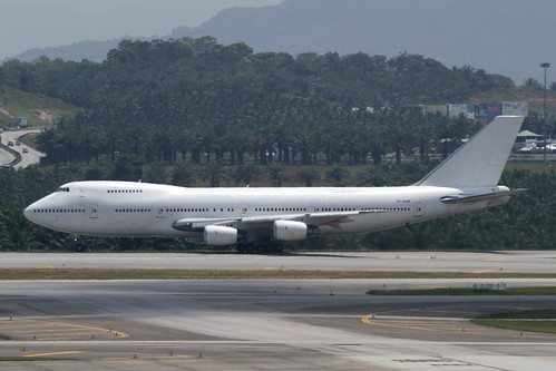 Malaysia Airlines B747-200BSF(TF-AAB)